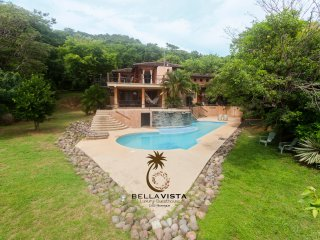 Bella Vista  Luxury GUESTHOUSE   (Ocean Views and Pool in San Juan del Sur)