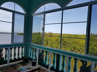 See Belize Sea View 1BR 1-Bed Sunroom Penthouse