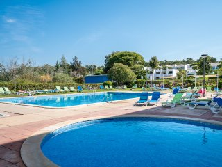 Bondy Red Apartment, Vilamoura, Algarve