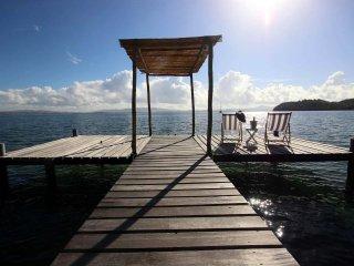 Coconut Bay: domaine privé les pieds dans l'eau, piscine et ponton privé