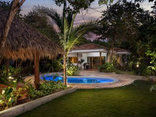 Casita U12 with private pool!!