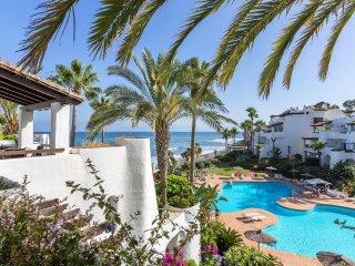 Deluxe Duplex Penthouse 904, en Puerto Banús, Marbella, España