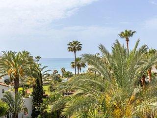 Deluxe Duplex Penthouse 404, en Puerto Banús, Marbella, España