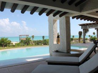 Villa Escape HUGE BEACHFRONT Luxury 4BR   w/private pool