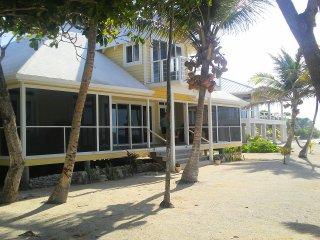 Casa Miradora - Stunning Ocean Front Home