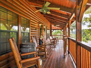 NEW! 4BR Sevierville Cabin - Hot Tub, Porch & View