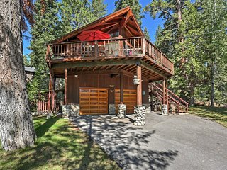4BR Tahoe Vista Cabin w/ Hot Tub - Near Lake!