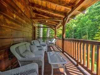 NEW! Scenic 3BR Trade Cabin near Boone & App State