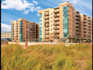 SEASIDE beach condo - 2 bedroom+, avail select june-august