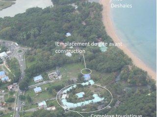 Joli bungalow + spa à Deshaies à 100 m à pieds nus de la plage de grande anse