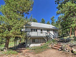 Allenspark Home on 26 Acres-30 Mins to Estes Park