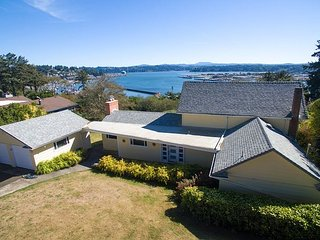 Amazing Bay View home located in Newport with sweeping views of Newport Bay