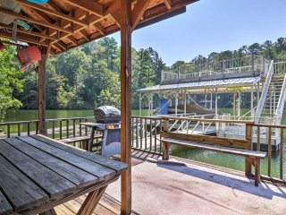 Peaceful 3BR Wedowee House Steps from Lake w/Dock!
