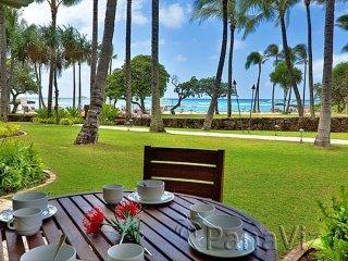 Direct Ocean View Beach Level 4-Bed (2 Master Suites) Villa Turtle Bay