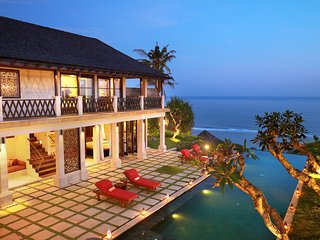 CLIFFRONT PANDAWA BEACH LUXURY VILLA AWANG