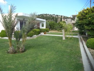 Villa, quiet location, big garden, 5min from beach(car), 1km from village