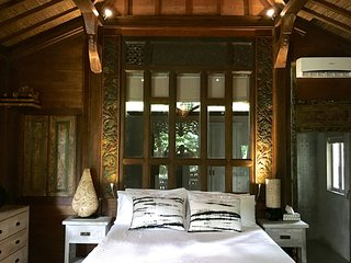 Little Wooden Cottage - a riverside oasis with authentic Balinese culture