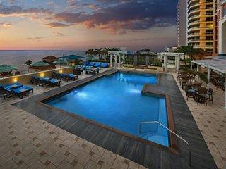 Marriott's BeachPlace Towers Luxury Guest Room Sleeps 4