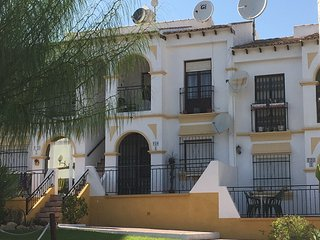 First Floor Apartment close to Villamartin/Golf Courses
