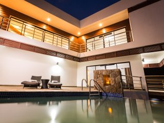 SARGAS VILLA ST. LUCIA! $1M VIEWS; GREAT LOCATION, SOUFRIERE