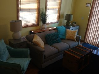 FAMILY ROOM WITH QUEEN PLUSH SLEPER/ TV/ DVD, ACCESS TO PATIO/ TEEN FAV , JUST OFF KITCHEN/ PRIVATE