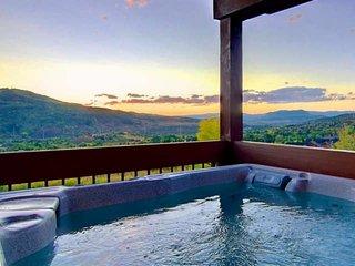 Private Hot Tub/Sauna/Steam, Private Entrance/Garage Unbelievable Views, Elevato
