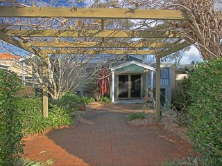 12 Denham Avenue - Whole House Beachside Escape