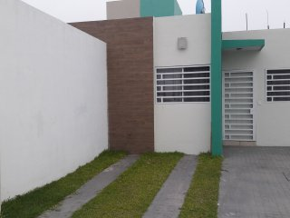 Casa cerca del TEC y SAMS (8 personas)