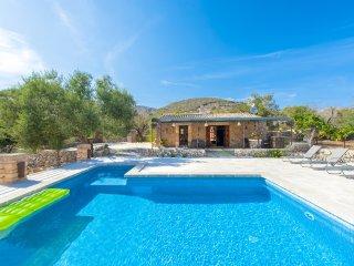 Villa 97 in Sant Llorenc de Cardassar con piscina