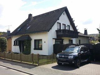 Schöne neu renovierte Ferienwohnung in Mechernich, Nord-Eifel