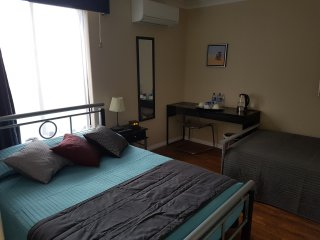 Ocean Reef Homestay Double Room 2 (shared bathroom)