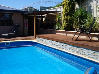 Ocean Reef Homestay Double Room 3 with Shared Bathroom