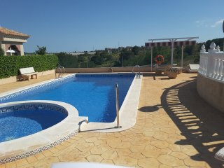 Penthouse apartment with large private Solarium and Free WiFi near La Finca golf