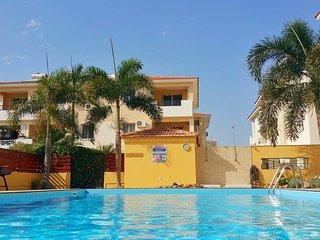 Palm Imperial Penthouse - Large Veranda + Pool