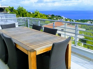 Luxurious villa for 6-8 persons with amazing sea view at Neos Voutzas-Attica