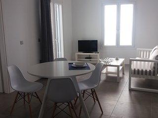 Milos Waves Luxury Apartment (1st Floor)