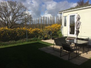 2 bed Holiday Home at 5* Rockley Park, Poole Harbour Up to 6, free WiFi, parking