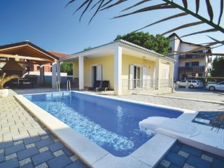 Holiday Home Cathy with pool Vodice 4+2