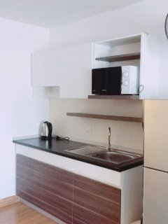Pantry (Microwave, kettle and toaster provided)