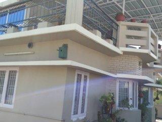 UbEx Smridhi HomeStay