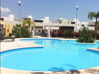 Amazing Spacious House with Pool 24hr Security 3 bedroom