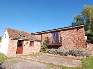 LITTLE FULFORD BARN, beautiful converted barn in quiet Somerset village. In