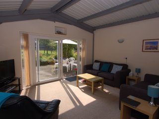 BROOKFIELD LODGE, detached wheelchair accessible cottage. In Drimpton.