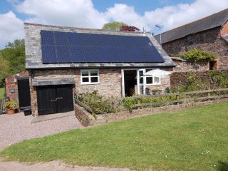 BRAMBLE COTTAGE, pretty converted barn on 85 acre farm. Detached, parking. In