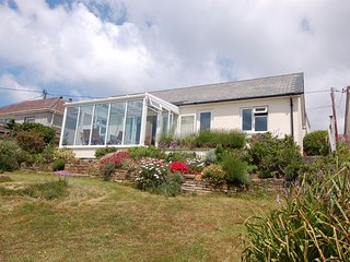 HILLCREST, detached bungalow with outstanding sea views. In Porthtowan