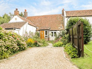 MRS DALE'S COTTAGE, original wooden beams, period furniture, extensive gardens,