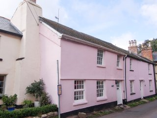 SPRINGSIDE COTTAGE, Woodburner, WiFi, Pet friendly Ref. 965833