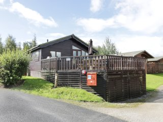 LAKESIDE 26, open plan, excellent decking, great facilities on-site, near Carnfo