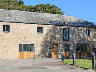 MILL HOUSE luxury barn conversion, hot tub, secure garden, wood burner, four