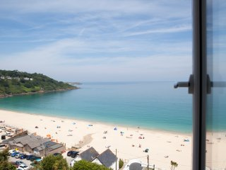 SERENA, luxury penthouse, balcony, near St Ives, Ref 964140